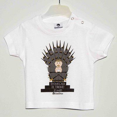 """Camiseta """"En mi casa el trono es mío"""""""