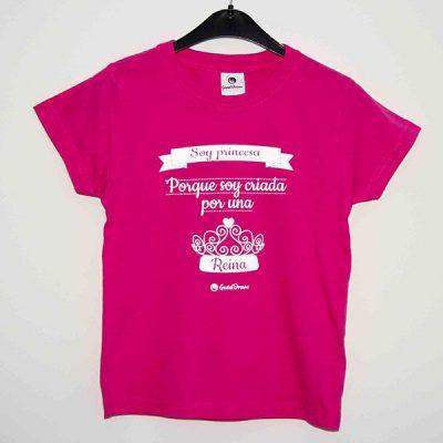 """Camiseta """"Soy criada por una reina"""""""